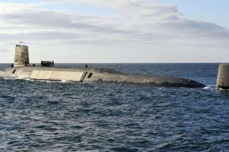 英國有4艘可攜帶核彈的前衛級核潛艇。(BBC中文網)