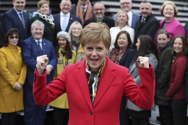 2019年英國大選之後,蘇格蘭民族黨(SNP)領導人史特金(Nicola Sturgeon)力拚獨立公投(AP)
