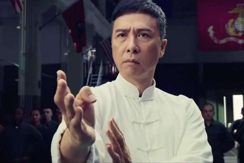 從警察到功夫明星,甄子丹以一代宗師「葉問」闖出名號,背後原來有這段故事……(圖/取自IMDb)