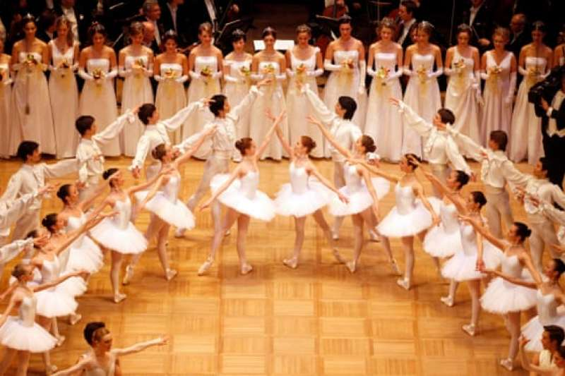 知名芭蕾學院驚爆虐待,甚至鼓勵孩童抽煙已維持身材。(AP)