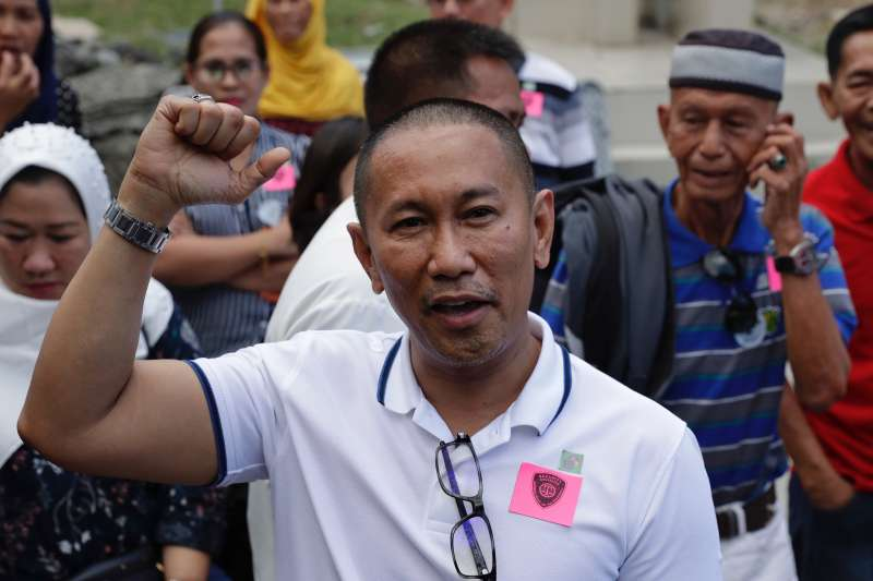 2019年12月19日,菲律賓「馬京達瑙屠殺案」(Maguindanao massacre)宣判,受害者家屬、國會議員伊斯梅爾.曼古達達圖(Esmael Mangudadatu)。(AP)