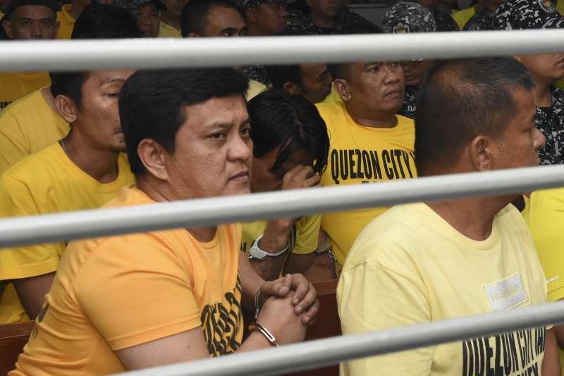 2019年12月19日,菲律賓「馬京達瑙屠殺案」(Maguindanao massacre)宣判,左為元凶安帕圖安二世(Andal Ampatuan Jr.)。(AP)