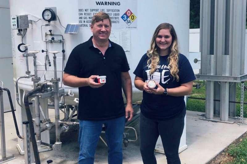 迪品多滋創辦人Curt Jones在第一次創業失敗後,又再籌措資金挑戰「液態氮冷凍咖啡」(圖/Curt Jones facebook)