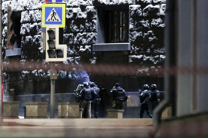 莫斯科市中心19日發生一起槍擊案,俄羅斯聯邦安全局一名工作人員被射殺身亡。(美聯社)