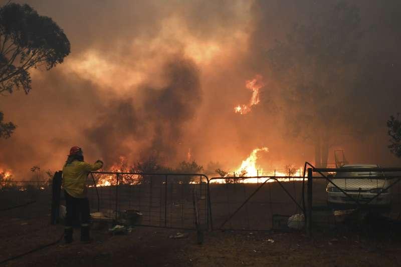 2019年12月,澳洲東部陷入火海(AP)