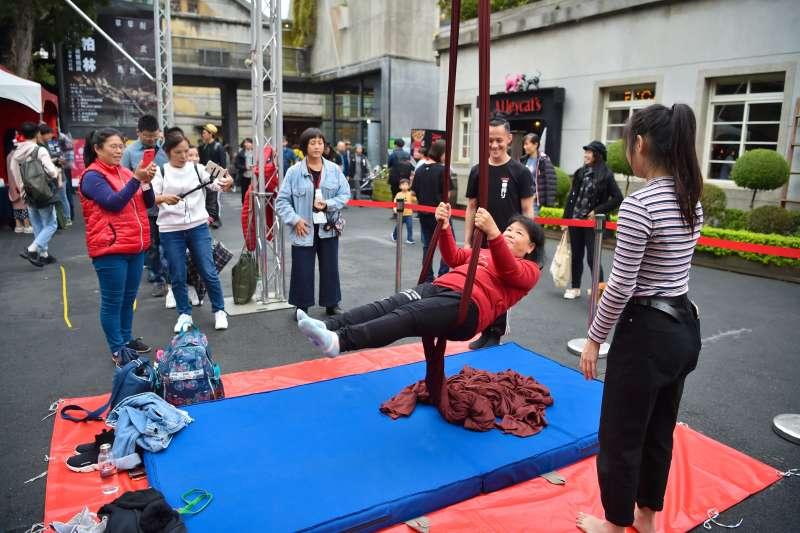 .街頭作品實驗室,現場舉辦懸吊體驗(台灣街頭藝術文化發展協會提供,攝影師邱蔚中)