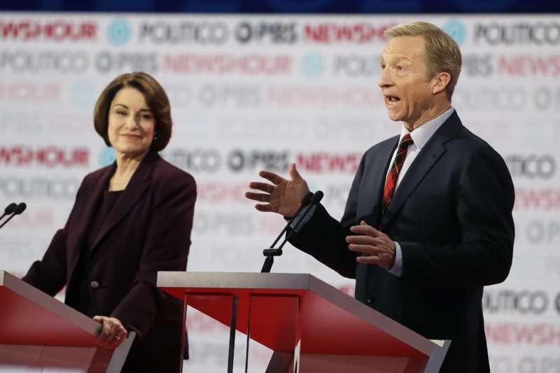 美國民主黨初選辯論:參選人克羅布查(左)與史泰爾(AP)