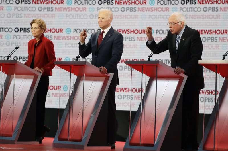 美國民主黨初選辯論:參選人華倫(左)、拜登(中)與桑德斯(AP)
