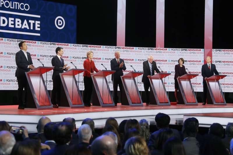 美國民主黨初選辯論,共7名參選人獲邀參加(AP)