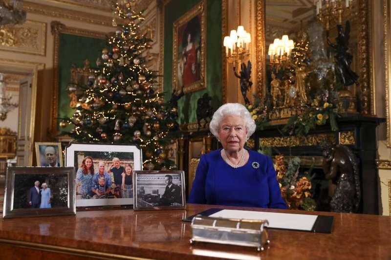 英國女王依照慣例發表聖誕節談話,她認為今年對英國而言是「顛簸的一年」。(AP)
