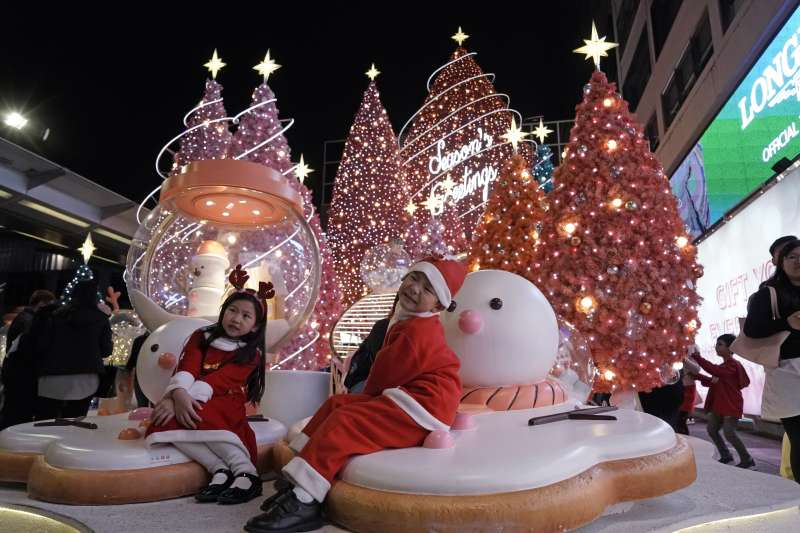 香港在反送中抗爭陰霾下迎接聖誕節到來。(AP)