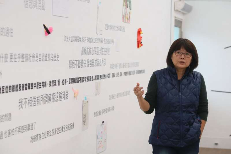 政治受難者後代、藝術家蔡海如,將自身探尋過程的挫折轉化為發起集體創作的動力。(柯承惠攝)