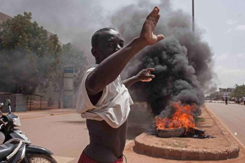 2019年12月24日,布吉納法索發生恐攻。此為2015年布吉納法索政變資料照。(AP)