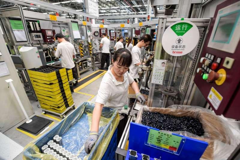 中美貿易戰不僅顯示美中對立的激烈程度,也讓中國經濟受到重挫。(翻攝自China Xinhua News Twitter)