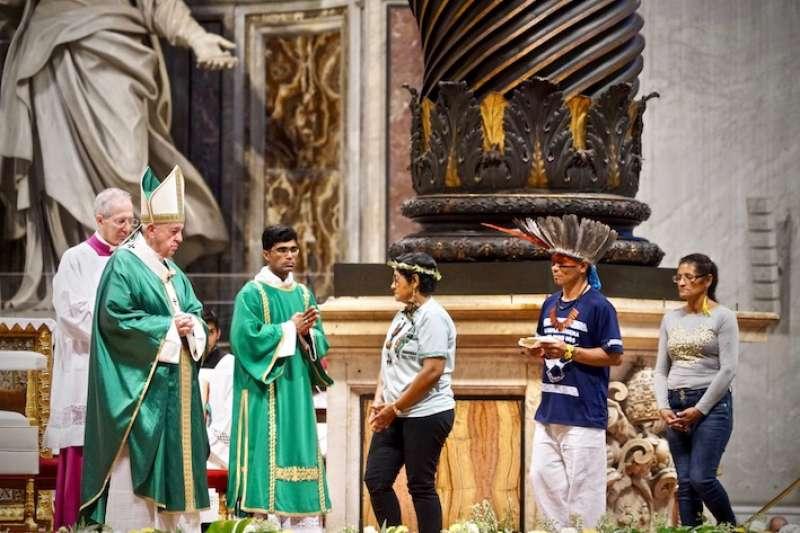 教宗開啟亞馬遜主教會議彌撒(曾廣儀攝)