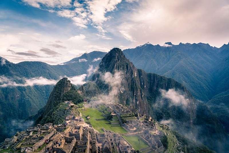 由於印加古道廣為人知,秘魯政府規定攀登這條古道一定要團進團出。想走印加古道的第一步,必須先跟旅行社報名。(圖/unsplash)