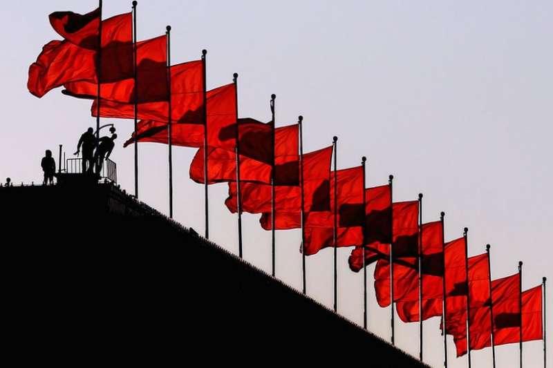 在中國西南省份貴州獨山縣影山鎮,一座「天下第一水司樓」高99公尺,屹立在群山間毫不遜色。(BBC中文網)