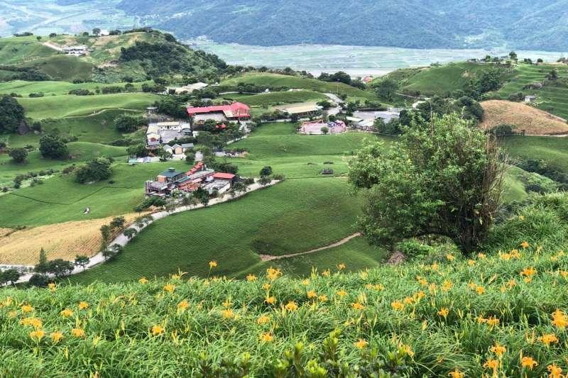花蓮富里鄉有著壯闊連綿山景,一直以來都是國內旅遊熱點(圖/花蓮縣富里鄉農會 facebook)