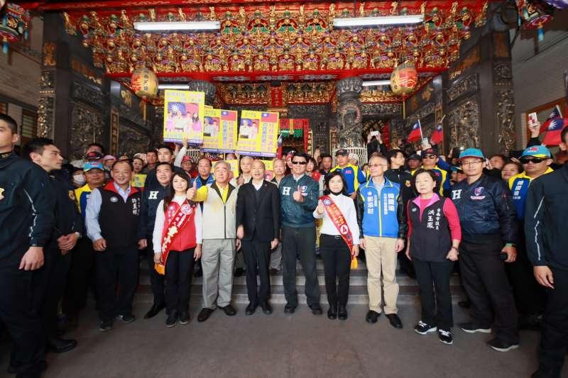 國民黨總統候選人韓國瑜1日到台南玉皇宮參拜。(韓國瑜競總提供)