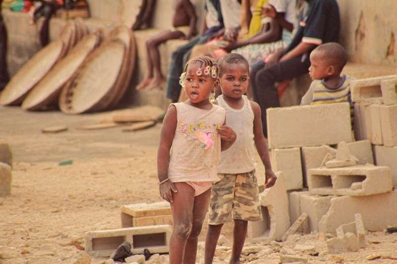 如果官方數據可信,非洲剛果共和國的好日子看似要回來了,但人民心頭別有一番滋味。(示意圖/ kassoum_kone@pixabay)
