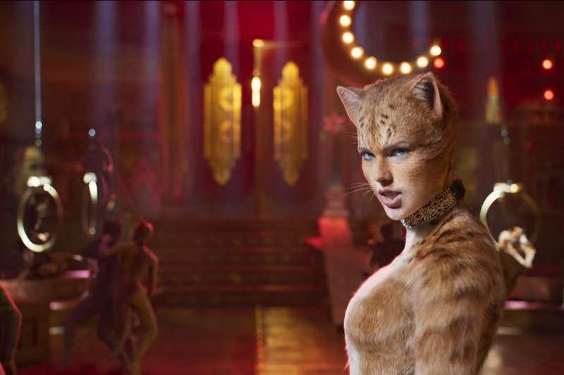 音樂劇電影《貓》眾星雲集,但上映後票房慘烈,有預估環球影業可能損失上看1億美元。圖為美國著名歌手泰勒絲(Taylor Swift)。(AP)