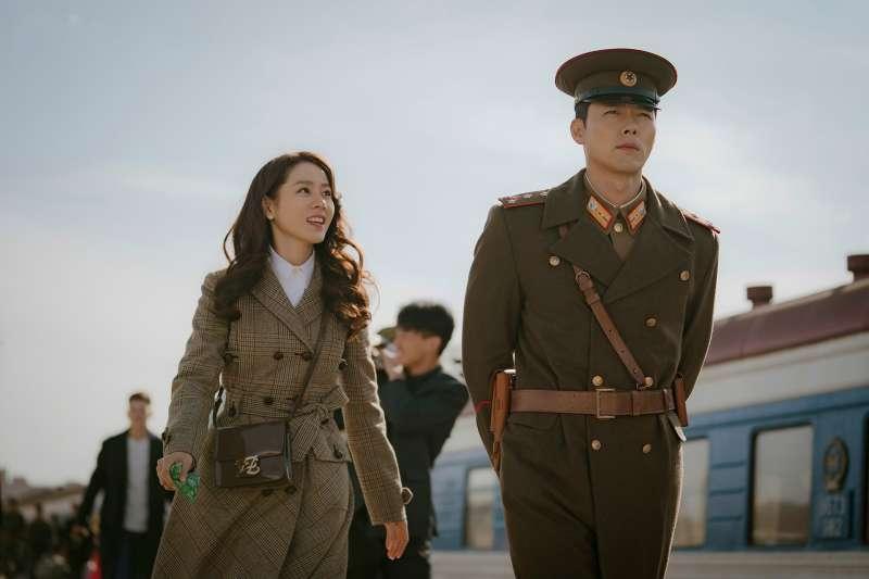 火紅韓劇《愛的迫降》有許多北韓人民的生活情節,都是真的嗎?(圖/取自tvN 드라마@facebook)