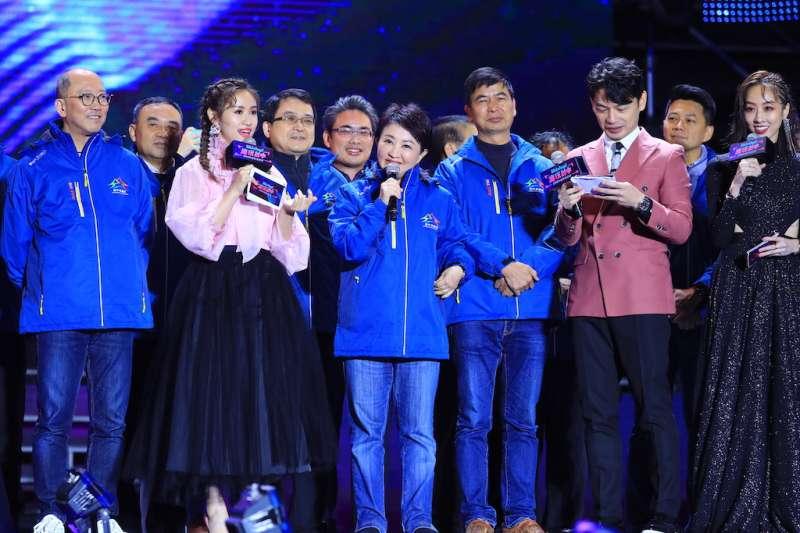 台中市表示,主場跨年晚會,吸引近三十萬人次參與,市長盧秀燕超短致詞,讓民眾享受跨年晚會歡樂。(圖/台中市政府提供)