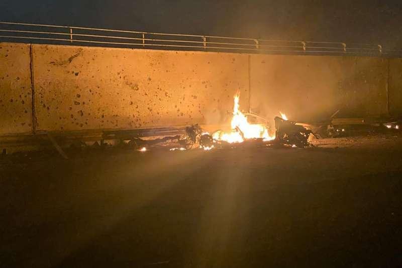 2020年1月3日,伊拉克巴格達國際機場附近遭到美軍轟炸,造成伊朗伊斯蘭革命衛隊特種部隊司令蘇萊曼尼喪生。(AP)