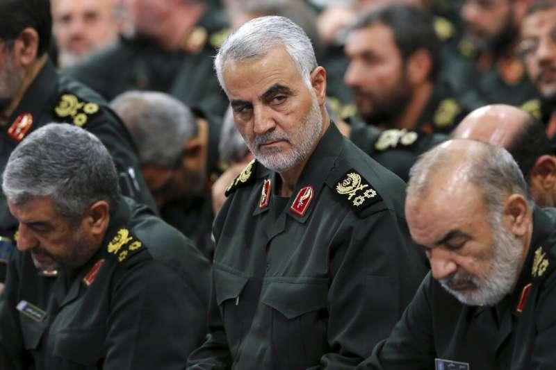 伊拉克巴格達國際機場附近3日凌晨遭到美軍轟炸,造成伊朗伊斯蘭革命衛隊特種部隊司令蘇萊曼尼喪生。(AP)