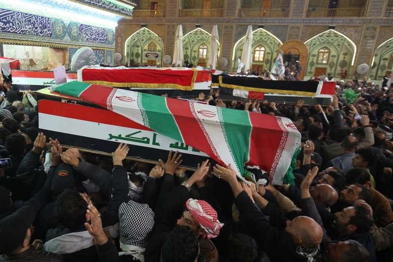 伊朗伊斯蘭革命衛隊特種部隊「聖城軍」司令蘇萊曼尼(Qasem Soleimani)遭美軍誅殺,伊拉克民眾群情悲憤(AP)