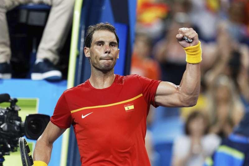 西班牙網球名將納達爾,創下三個十年都登上世界第一的新紀錄。(美聯社)