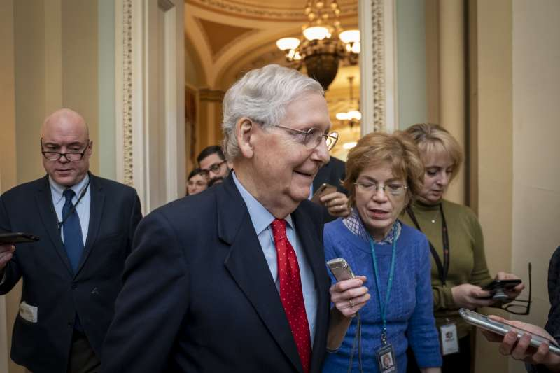 美國聯邦參議院共和黨領袖麥康奈爾遲遲不公布審理川普彈劾案時程表(AP)