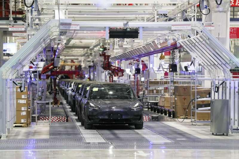 2020年1月7日,美國電動車大廠特斯拉(Tesla)在上海新工廠舉行啟動Model Y電動休旅車計畫的儀式,執行長馬斯克(Elon Musk)主持(AP)