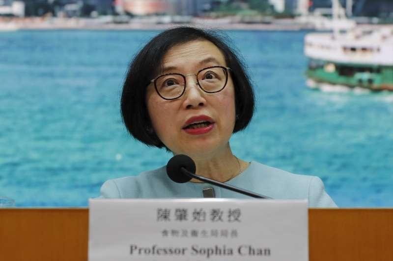 中國武漢爆發「神秘肺炎」,香港也出現疑似病例。2020年1月7日,港府食物及衞生局局長陳肇始說明(AP)