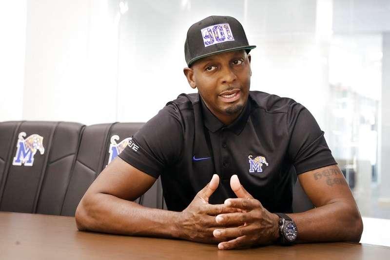 哈達威現任是曼菲斯大學男籃總教練。(美聯社)