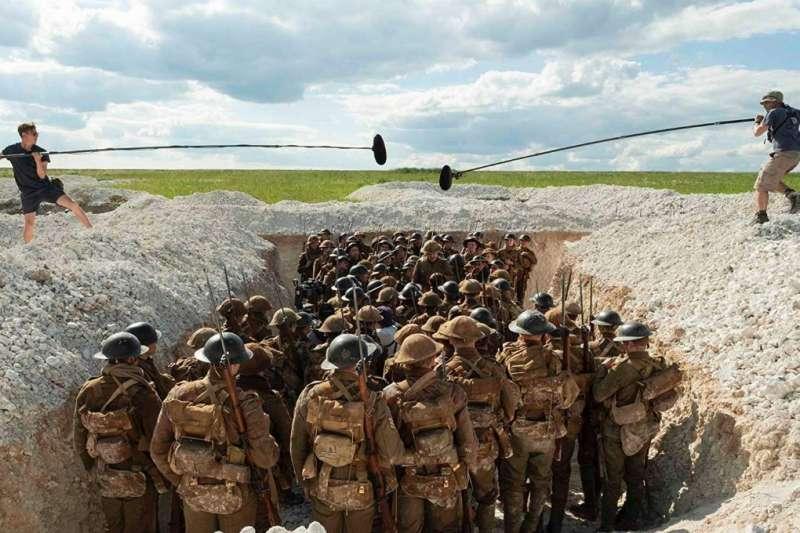 電影《1917》採「一鏡到底」的方式拍攝戰爭題材,這對導演及拍攝指導而言都是相當大的挑戰(圖/IMDb)