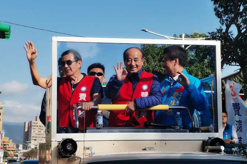20200110-前總統馬英九、前立法院長王金平10日同框輔選立委候選人費鴻泰,更首度合體進行車隊掃街。(王金平辦公室提供)