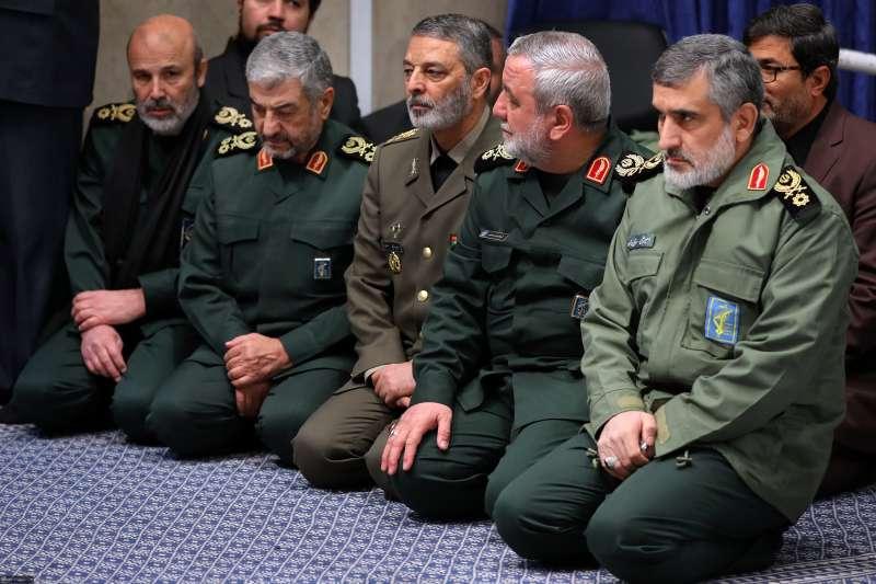 2020年1月8日,伊朗軍方發射飛彈,擊落一架烏克蘭民航機,釀成176人罹難的慘劇(AP)