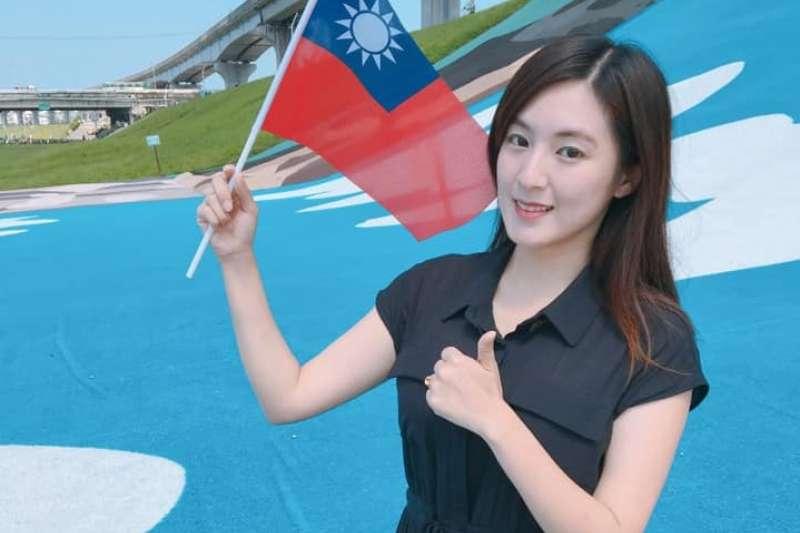韓國瑜競選團隊總發言人的何庭歡(見圖)12日也在臉書發文祝賀蔡英文,並透露當初就是因為韓國瑜的一句「讓我們一起打一場中華民國生死保衛戰」,讓她選擇「跟著禿子走」。(取自何庭歡臉書)