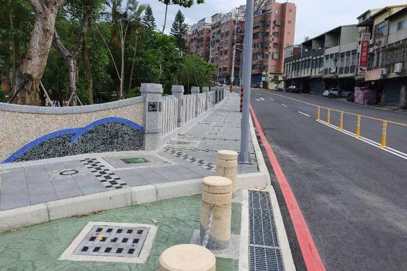 獲金竹獎特優的「竹43線工程」,運用青蛙、橄欖葉圖案裝飾,彰顯在地特色。(圖/新竹縣政府提供)