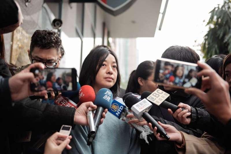 針對網友發文說「牠還有兩個可以被砍」的惡意言論,時代力量不分區立委當選人、「小燈泡媽媽」王婉諭(見圖)13日到警局報案。(取自王婉諭臉書)