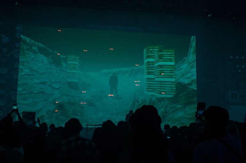 20200116-吉豐重工OSVI活動現場,投影幕播放由VJ操作的遊戲畫面。(吉豐重工提供)