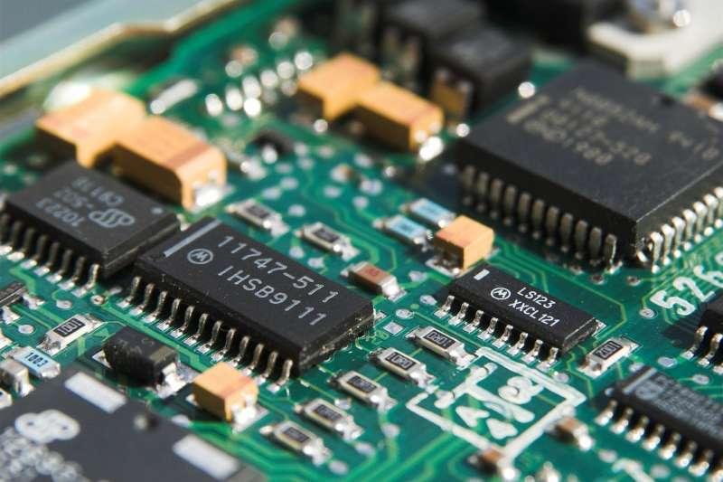 台灣強大的半導體製造能力,被稱為是保護國安的「矽盾」而台積電則是其中主力。(圖/ pixabay)
