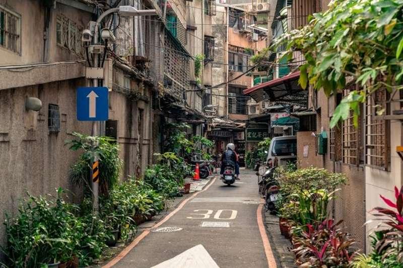 板橋是新北一哥,萬華有天龍國門牌,究竟該怎麼選呢?(圖/pixabay)