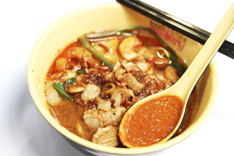 適量吃辣會幫助腸胃蠕動,但吃過辣、超過身體負擔程度,就會對身體造成傷害。(示意圖,與個案無關/LeonardKong@flickr)