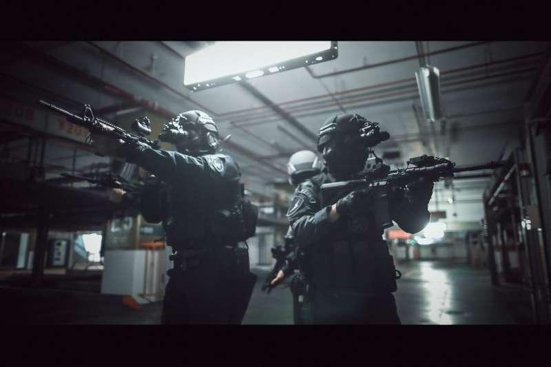 警方4支特勤隊日前在已宣告停止營業的京華城舉行大規模反恐演習。(取自NPA署長室臉書)