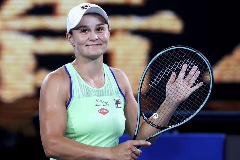 澳洲球后巴蒂在澳網首輪上演逆轉秀,賽後也感謝球迷的支持。(美聯社)
