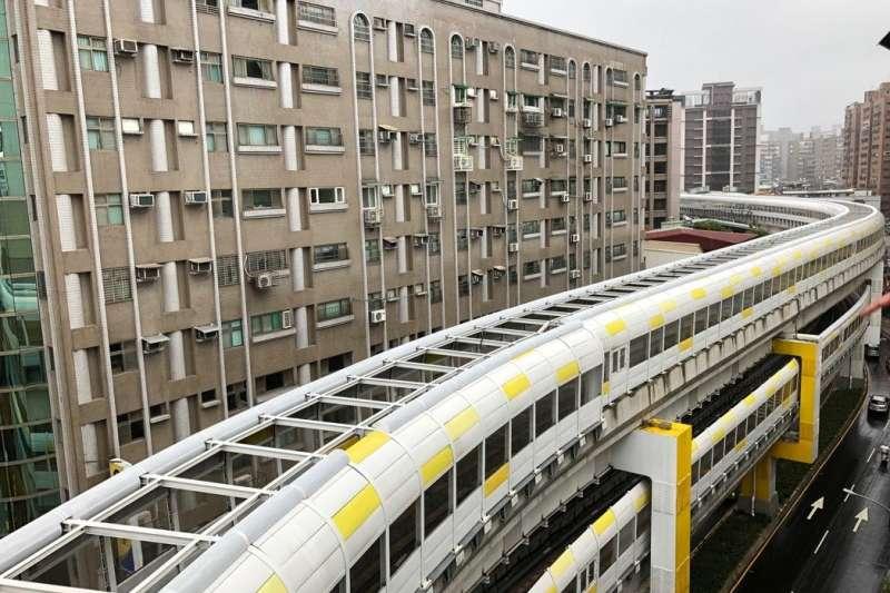 此次開通的新北捷運環狀線共14車站,全線橫跨新店、中和、板橋及新莊4個行政區。(圖/ 三環六線進度公開專頁)
