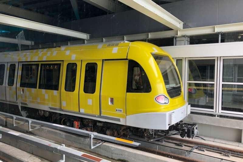 車身亮黃色的新北捷運環狀線,將大幅改寫市民通勤路線(圖片來源:三環六線進度公開專頁)