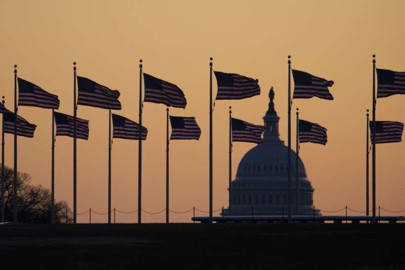 美國國會,2020年1月20ˋ日,美國總統川普解職案開庭前夕,總統律師團發布辯護備忘錄,批評眾議院對川普的指控「危險地扭曲了」憲法。(AP)